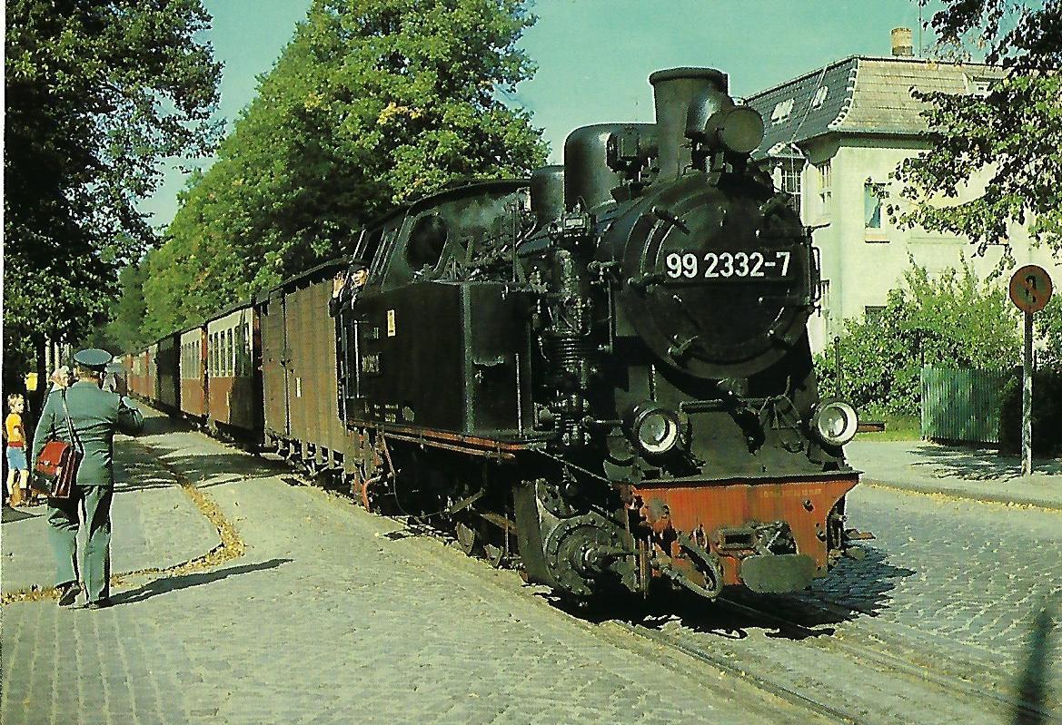 "DR, Schmalspur-Dampflokomotive 99 2332-7 ""Molli"" im September 1980 in Bad Doberan. (10440)"