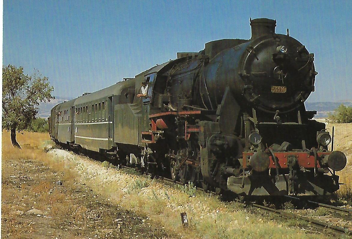 TCDD, Dampflokomotive 56 518 (ex DR 52) bei der Einfahrt in den Bhf. Gümüsgün/Türkei im September 1986.Eisenbahn Bestell-Nr. 10469