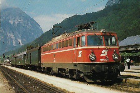 ÖBB, elektrische Mehrzwecklokomotive 1042.20 in Stainach-Irdnung 1984. Eisenbahn Bestell-Nr. 10479