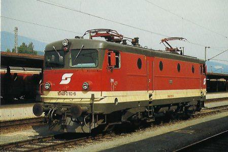ÖBB, elektrische Mehrzwecklokomotive 1043 010-6, Bo'Bo', am 12.9.1987 in Villach Hbf. Eisenbahn Bestell-Nr. 10505