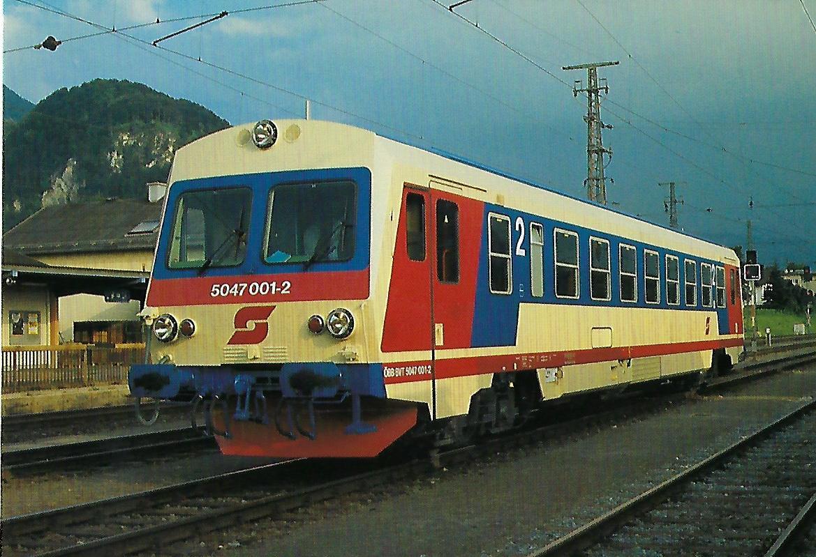 ÖBB, Nebenbahntriebwagen 5047 001-2, B'2′, in Salzburg – Gnigl im August 1987. Eisenbahn Bestell-Nr. 10508